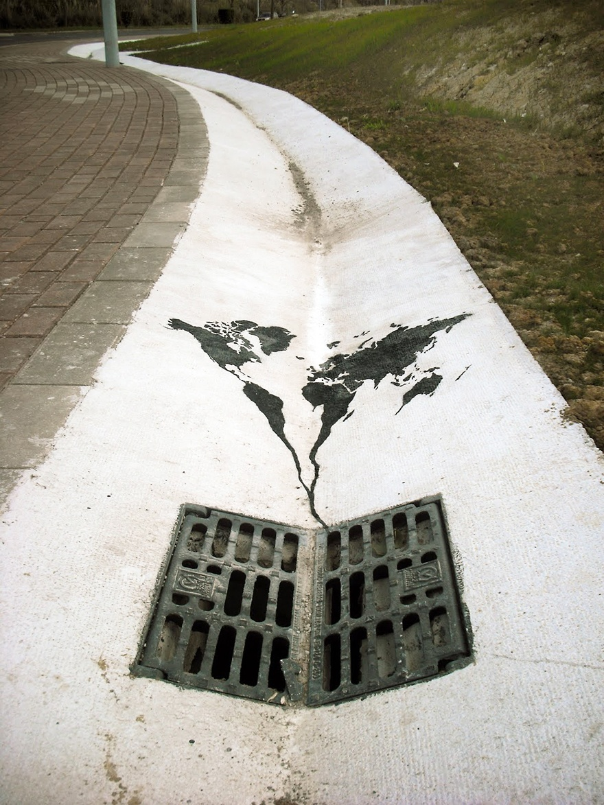 World Going Down The Drain, Spain